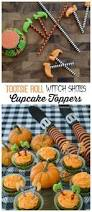 halloween themed cake toppers 360 best fondant cake toppers images on pinterest cakes