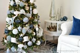Blue White And Silver Christmas Tree - how to decorate a stunning blue and silver christmas tree an