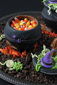 halloween cauldrons video release how to make 3 d cookie cauldrons julia usher