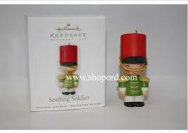 hallmark 2010 smiling soldier keepsake ornament club lpr3403