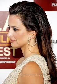 swept back hairstyles for women get penelope cruze s slicked back wet hair look