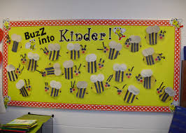 bee bulletin board polka dots and bumble bees pinterest bee