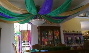 mardi gras decorations to make party mardi gras style