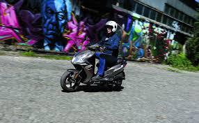 nissan almera jaki silnik cicha praca silnika mężczyźni motocykle skutery