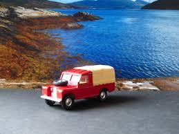 land rover daktari i love corgi toys land rover colours