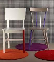chaises cuisine couleur chaises cuisine repeintes plusieurs couleurs