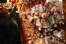 Christmas Decoration For Retail Shops by Amazing Easy Christmas Table Decorating Ideas With White Candle