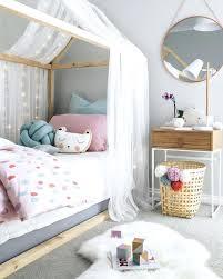 cabane fille chambre diy lit cabane idaces dacco pour la chambre des enfants diy lit