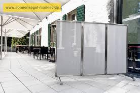 windschutz balkon stoff sichtschutz dachterrasse mit paravent und balkonverkleidung