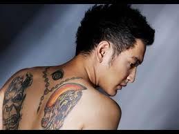 tato keren wanita indonesia 12 artis indonesia ini demen banget sama seni tato idolamu pasti