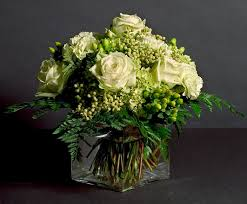Cube Vase Centerpieces by Lovely Arrangement Glass Cube Vase With Monochromatic Collection