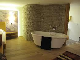 Riesige Badewanne Komplettbad Mit Dusche Doppelwaschtisch Und Wc In Solingen Nessmann