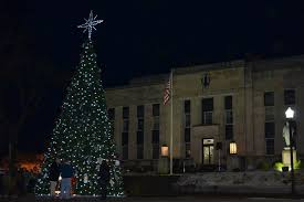 christmas tree lighting in courthouse square main street union