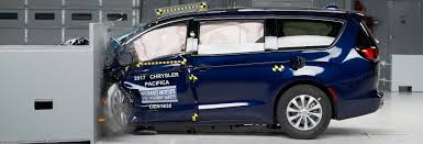 2017 chrysler pacifica iihs top safety pick rating consumer reports