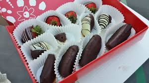 edible arrangement chocolate covered strawberries a gorilla or chocolate covered strawberries run eat repeat