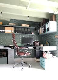 bureau pratique bureau esthétique et pratique réaménagé par la décoratrice d