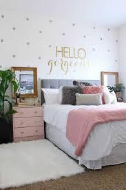 chambre en gris deco chambre gris blanc photo deco chambre gris et lit couettes