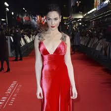 dress gal gal gadot s dress at batman v superman european premiere