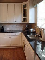 Black Countertop Kitchen by Best 25 Travertine Countertops Ideas On Pinterest Travertine