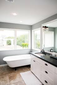 Hgtv Master Bathroom Designs by Fixer Upper U0027s Best Bathroom Flips Joanna Gaines Hgtv And Flipping