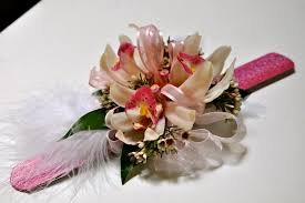 prom wrist corsage ideas traveling this summer or fall check out a flower school on your