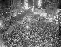 vintage new year s noisemakers bettman corbis vintage nye photograph as the clocks struck twelve