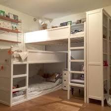 ikea chambre d enfants hack transformer le lit ikea kura une chambre pour trois enfants