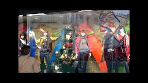 are these s best window displays live