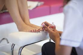tips for a safe salon pedicure