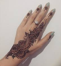 side hand tattoo simple henna mehndi designs pinterest simple henna hennas