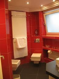 badezimmer schrã nke wohnzimmerz badezimmer rot with welche farbe fã rs badezimmer