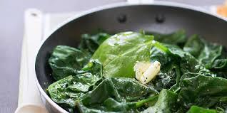 comment cuisiner des epinards poêlée d épinards frais au beurre facile et pas cher recette sur