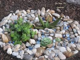 Mini Rock Garden Mini Rock Gardens To Highlight Small Plants That Often Get Lost In
