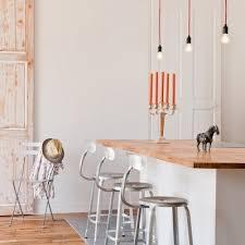 chaise pour ilot de cuisine table haute en bois wenge et piètement métallique façon table bar