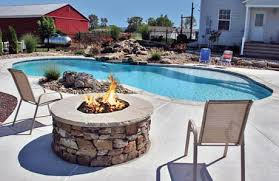 Lava Rock For Fire Pit by Backyard Fire Pits To Keep You Warm By The Pool