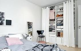 chambre petit espace chambre petit espace dressing pour pite gain d chambre dado dans
