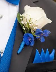 blue boutonniere blue and white diy wedding flowers real wedding diy wedding
