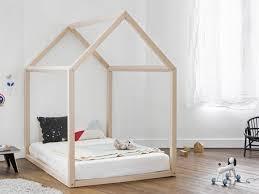 chambre cabane enfant shopping déco le lit cabane pour enfant cocon de décoration