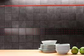 carrelage cuisine mur poser un carrelage mural nos astuces et avis