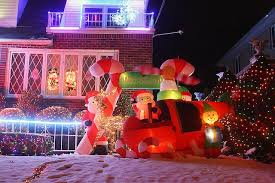 Dyker Heights Christmas Lights Extravagance Redefined Dyker Heights U0027 Christmas Lights