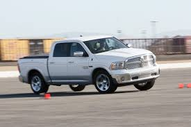 2014 dodge ram 1500 crew cab 2014 ram 1500 crew cab ecodiesel track test on edmunds com