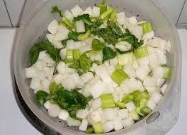 cuisiner radis blanc kaktugi kimchi de radis blanc kimchi le plus facile à faire la