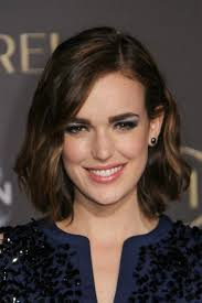 new spring 2015 hairstyles how to style elizabeth henstridge long bob wrap sections of hair
