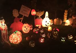 Thriller Halloween Lights by 22 Local Halloween Displays To See This October Wpri 12