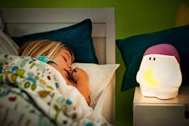 veilleuse chambre bébé veilleuse pour enfant 10 les à adopter le de luminaire fr