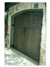 Garages That Look Like Barns Best 25 Paint Garage Doors Ideas On Pinterest Front Door Porch