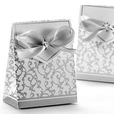 silver boxes with bows on top small silver boxes for wedding favors