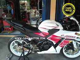 cbr r150 tail body buntut undertail arm deelkevic velg lebar axioo cbr 150