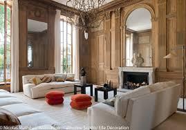 decor cheminee salon un appartement entre esprit grand siècle et design des 70 u0027s elle