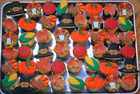 thanksgiving mini cupcakes 350 degreef